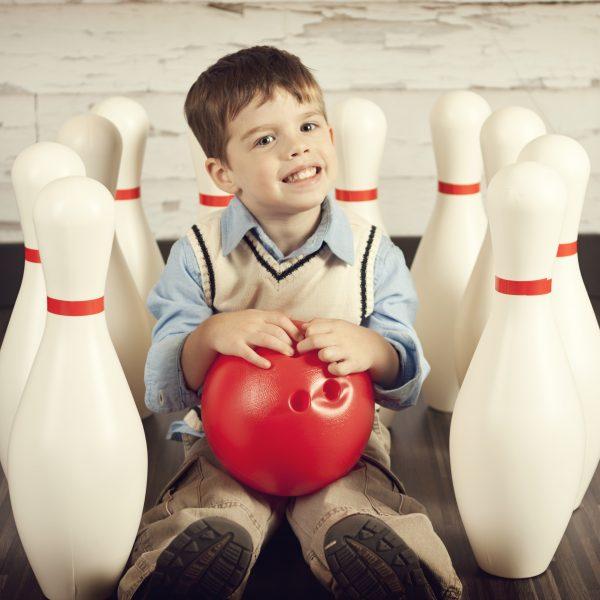 Retro bowling pins